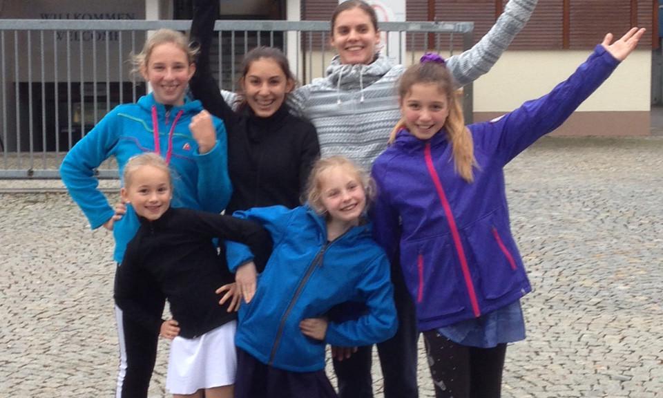 Die Teilnehmerinnen: Nella, Julia, Julika, Nadine, Ejnie