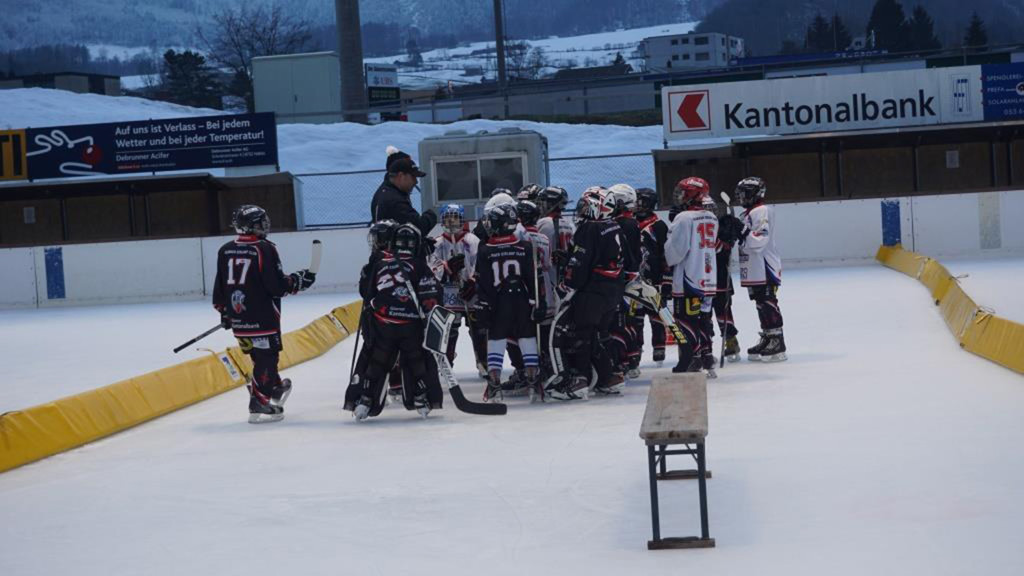 Das Team wurde in zwei Mannschaften aufgeteilt