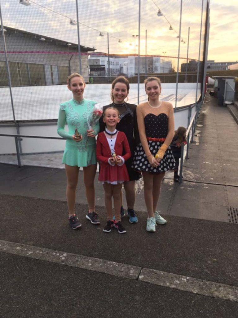 Bronze-Läuferinnen nach der Siegerehrung