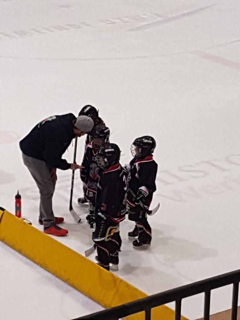 Die Anweisungen der Trainer befolgten die GEC-Bambini vorbildlich. Foto: Lisa ALvarez.