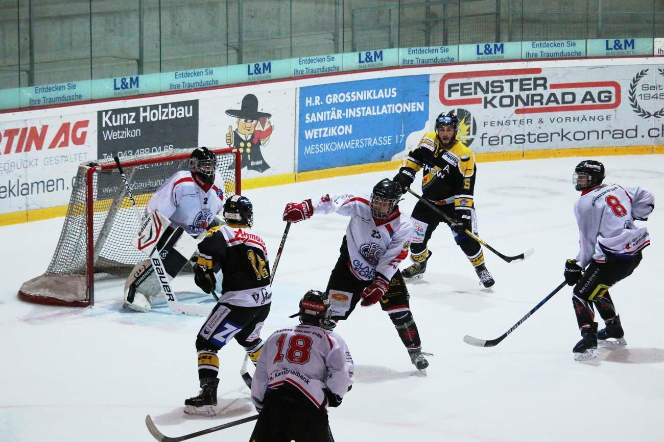 Sinnbild für dieses Spiel: Glarner in der Verteidigung. Foto: Jrene Liuchsinger