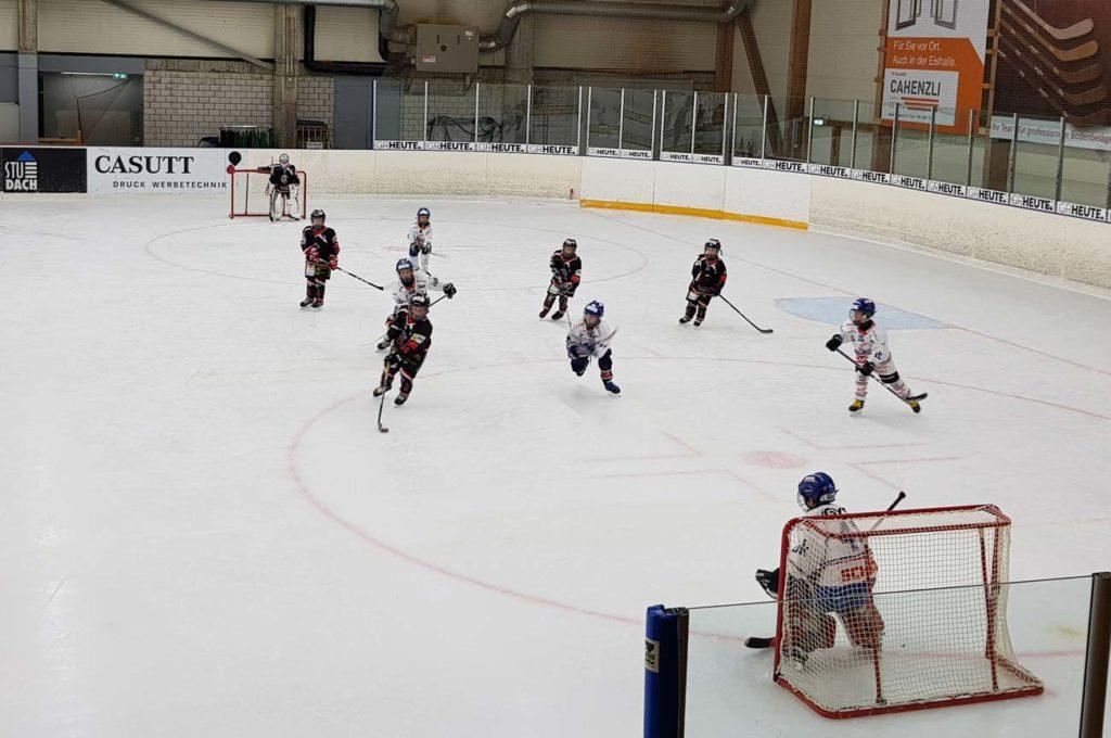 Gegen den EHC Kloten Flyers siegten die Glarner deutlich. Foto. Mirjam Imhof.