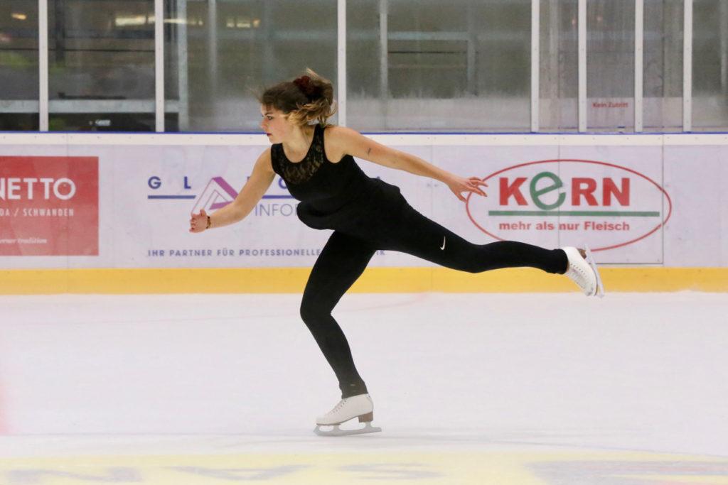 Sarina Hagmann zeigte mit ihrer Solo-Darbietung, dass sie für die Wettkampfsaison bereit ist. Foto: Tanja Schrepfer Knecht