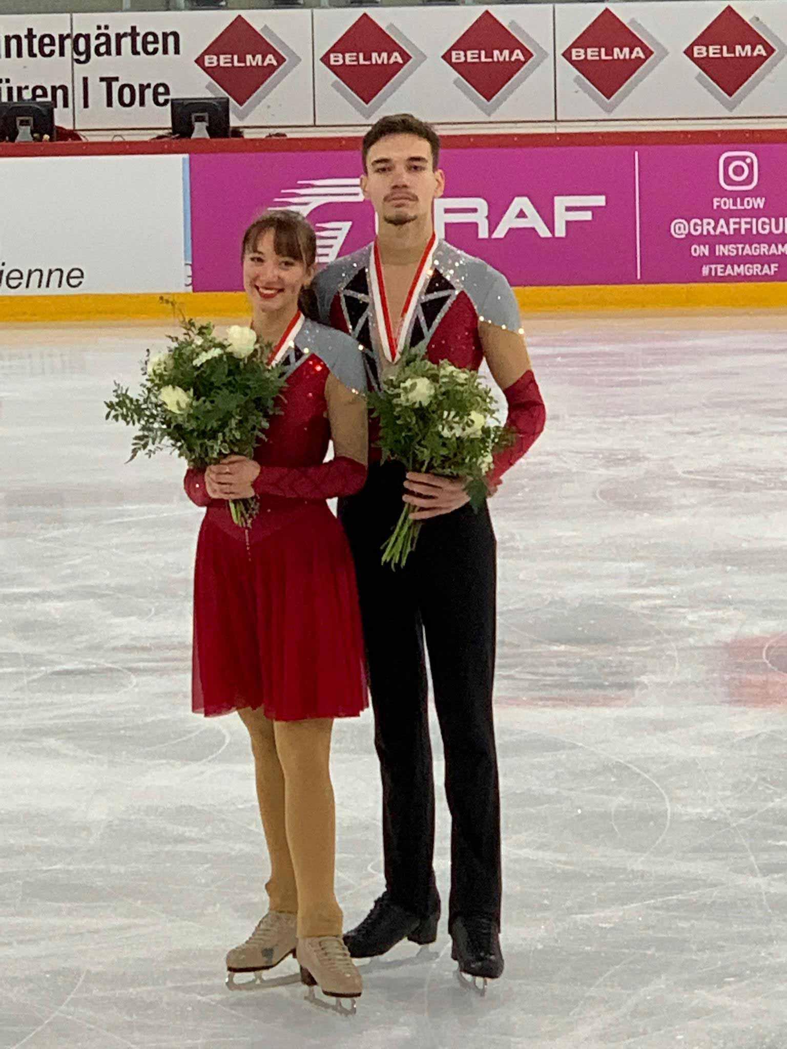 Alina Klein (EV Mittelrheintal) und Maxim Kobelt (Glarner EC) liegen in Biel auf Rang 2.